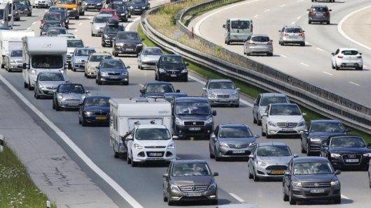 In fünf Bundesländern beginnen die Sommerferien. Viele Familien werden sich dann mit dem Auto auf den Weg in den Urlaub machen. Vor allemRichtung Süden dürfte es voll werden.