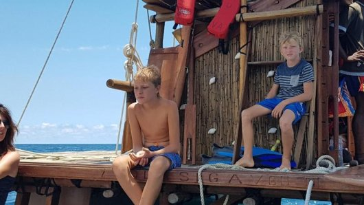 Die Südsee-Insel Fidschi können Touristen jetzt mit dem Nachbau eines traditionellen Holz-Katamarans entdecken. Drua heißen die Boote.