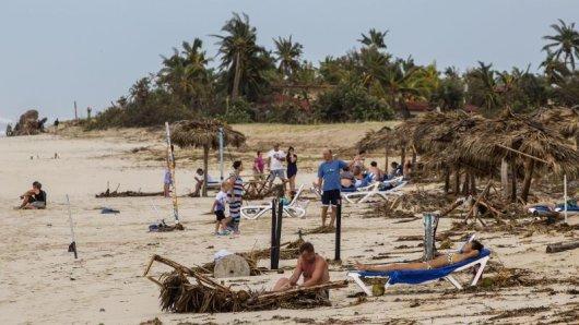 Touristen am Strand in Varadero in Kuba: Dort hat Hurrikan Irma schwere Schäden verursacht.