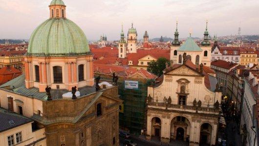 Anlässlich des Deutsch-tschechischen Kulturfrühlings wird es weitere musikalische Highlights geben. So wird etwa der Dirigent Alexander Liebreich in Prag auftreten.