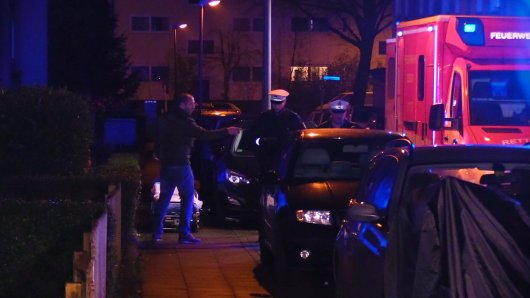 Kurz vor Weihnachten wurde ein Mann (34) vor seiner Haustür mehrfach in den Rücken gestochen. (Archivbild)