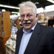 Manfred Baasner ist Gründer und Vorstandsvorsitzender der Wattenscheider-, Bochumer- und der Kindertafel. Für sein Engagement wurde er mit dem Bundesverdienstkreuz ausgezeichnet.