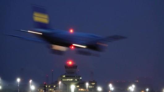 Flugverspätungen: Sobald Eltern für das Ticket ihres Babys bezahlt haben, besteht auch Anspruch auf eine Entschädigung.