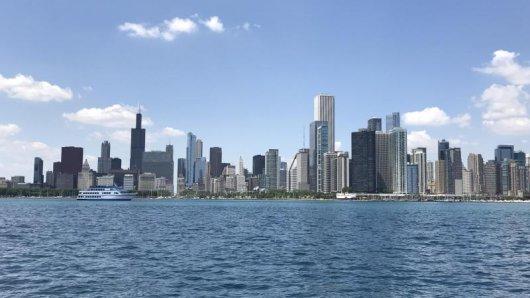 In Chicago eröffnet ein neues Architekturzentrum. Hier sind dann Ausstellungen über berühmte Wolkenkratzer zu sehen.