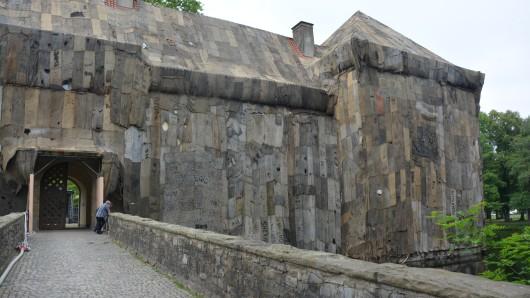 Am Schloss Strünkede trägt man nun Jutesack.