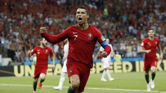 Cristiano Ronaldo erzielt gleich im ersten WM-Spiel drei Tore.