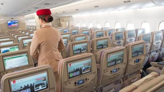 In der Economy-Klasse müssen sich Passagiere meist mit weniger Beinfreiheit begnügen. Bei Emirates (im Bild) sind es zwischen 81 und 84 Zentimeter.