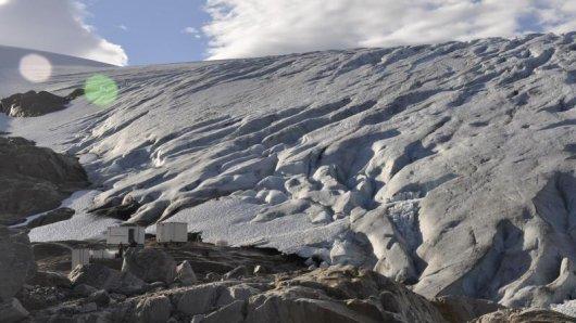 Der Gletscher Svartisen ist 1000 Jahre alt. Der Unternehmer Geir Olsen will aus dem Gletschereis Eiswürfel für gehobene Cocktail-Bars entnehmen.