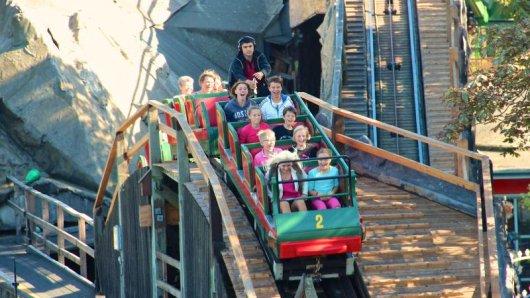 Der Kopenhagener Tivoli, einer der ältesten Freizeitparks weltweit, feiert gerade seinen 175 Geburtstag.