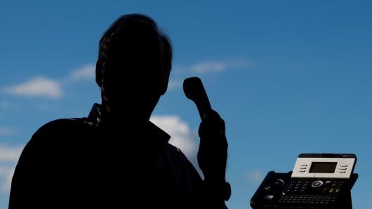 """Die Betrüger gaben sich am telefon als Polizisten aus und schickten """"Kollegen"""" vorbei. (Symbolbild)"""