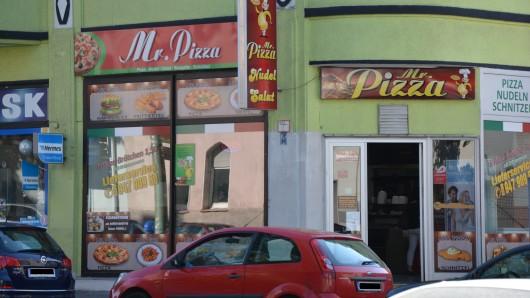 """Vorwurf: Gelsenkirchener Lieferservice """"Mr. Pizza"""" verkauft zu kleine Pizzen."""
