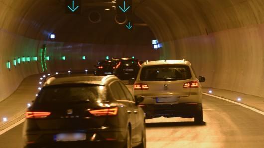 Geht es nach dem Duisburger Verkehrsausschuss könnte die A59 bald unterirdisch laufen.
