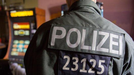 In NRW läuft am Donnerstag eine Großrazzia gegen den Betreiber einer Hagener Spielhalle. (Symbolbild)