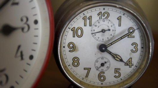 Am 28. Oktober 2018 werden in Europa die Uhren umgestellt. Auch Sportler betrifft die Debatte um die Zeitumstellung.