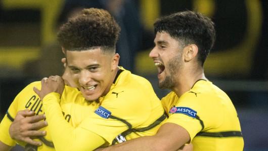 Borussia Dortmunds Jadon Sancho trifft zum 1:0.