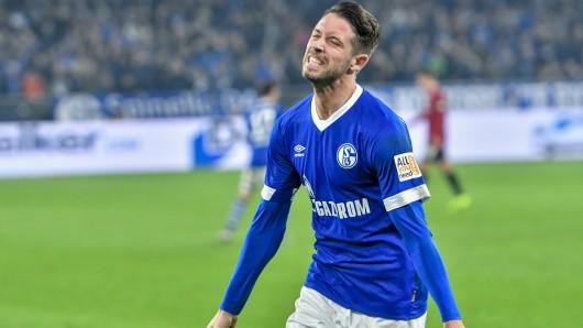 Mark Uth bejubelt seinen ersten Treffer für den FC Schalke 04.