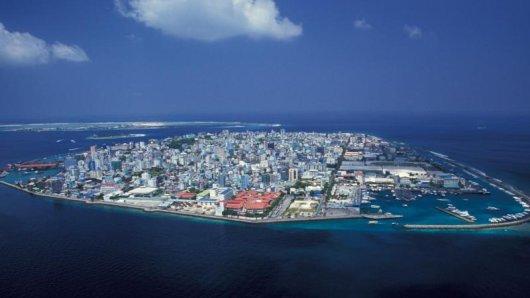 Eine Stadt mitten im Meer:Anflug auf Malé, die Hauptstadt der Malediven.