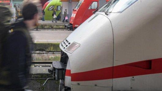 Die Pünktlichkeitsquote der Deutschen Bahn lag nach Informationen der Deutschen Presse-Agentur im November bei 70,4 Prozent.