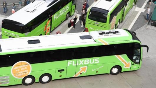 Flixbus verlangte in der Vergangenheit für das Bezahlen mit Paypal eine Gebühr. Das Landgericht München bewertet diese Praxis als unrechtmäßig.