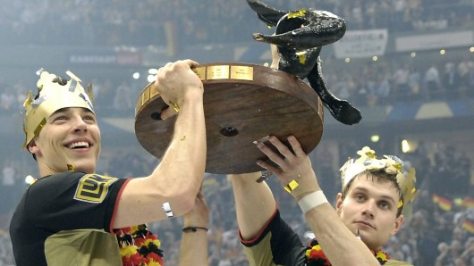 Dominik Klein (li.) bejubelt den WM-Titel gemeinsam mit Michael Kraus.