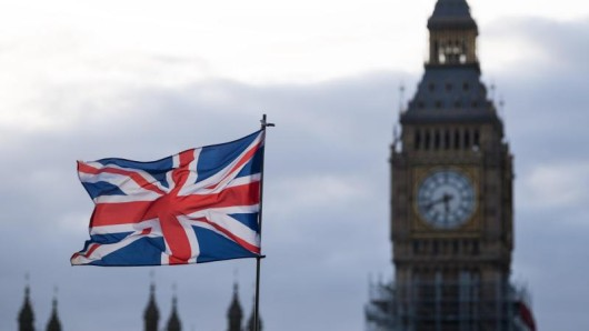 Weil das Pfund schwächelt, geben deutsche Urlauber für den Aufenthalt in Großbritannien weniger aus.
