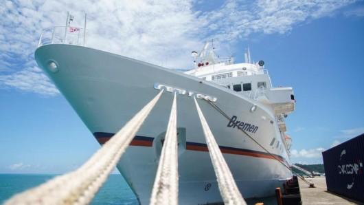 Das Expeditionskreuzfahrtschiff Bremen - hier im Hafen von Mata Utu auf der Südseeinsel Wallis - verlässt im Jahr 2021 die Flotte von Hapag-Lloyd Cruises.