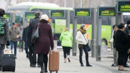 Die Fahrt mit dem Fernbus ist zwar meist langsamer, aber dafür oft billiger als die Bahn. Die Preise insgesamt jedoch waren schon mal günstiger.
