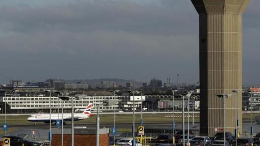 Experten vom Deutschen Reiseverband erwarten, dass ein harter Brexit zu großen Problemen beim Flugverkehr zwischen Großbritannien und der EU führt.