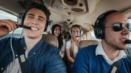 Spaß an Bord: Mitflugzentralen bieten eher Freizeitausflüge, als dass sie ein ernstzunehmendes Verkehrsmittel wären.