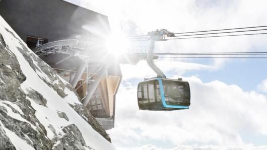 Höher geht es nicht in Europa. Die Bergstation der Glacier Ride liegt auf 3821 Metern Höhe.