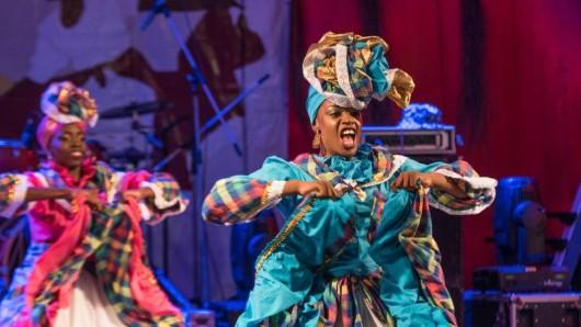 Beim Maroon & String Band Festival auf der Karibikinsel Carriacou können Besucher Ende April westafrikanische Gebräuche, Musik und Tänze erleben.
