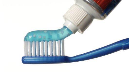Zahncremes im Test: Fast die Hälfte der Produkte fiel durch.