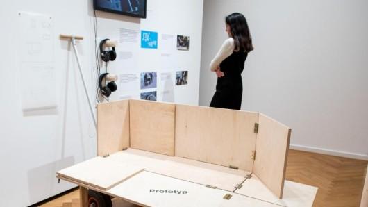 Ein mobiler Schlafwagen für Obdachlose ist Teil der Ausstellung Social Design, die das Museum für Kunst und Gewerbe bis zum 27. Oktober 2019 zeigt.