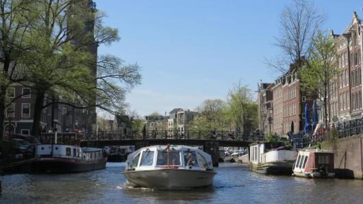 Amsterdam fast leer und ganz beschaulich: Das ist angesichts der Touristenmassen selten geworden. Deshalb gelten mittlerweile einige strenge Vorschriften.