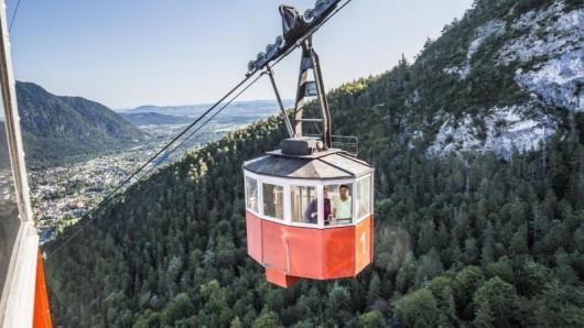 Ein echter Seilbahn-Oldie: Die roten Gondeln der Predigtstuhlbahn sind seit 1928 zwischen Bad Reichenhall und dem Predigtstuhl unterwegs.