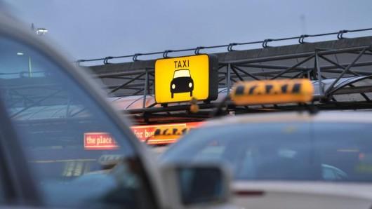 Einige Taxifahrer fahren besonders gerne Touristen. Nur leider meistens zu überteuerte Preisen.