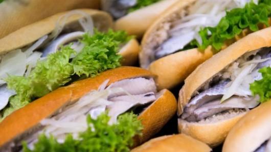 So muss dat: Schleswig-Holstein widmet dem Fischbrötchen einen Ehrentag.