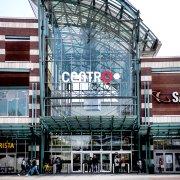 87d1b3ed5bc2e Centro Oberhausen: Neuer Luxus-Shop eröffnet – hier SOLLST du mit  Tierhaaren und Cornflakes rumsauen