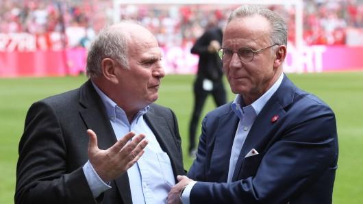 Uli Hoeneß und Karl-Heinz Rummenige im Gespräch: Planen die Bayern-Bosse den Super-Transfer?