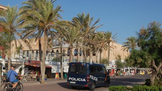 Im Megapark auf Mallorca prügelten zwei Hooligans einen Türsteher bewusstlos.