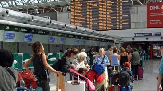In Italien streikt das Flugpersonal. Flugreisende sollten sich auf Auswirkungen einstellen.