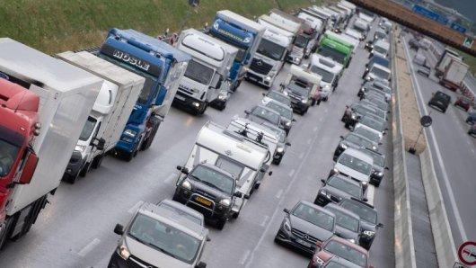 Am kommenden Wochenende müssen Autoreisende unter Umständen eine Menge Geduld aufbringen. Es drohen viele Staus.