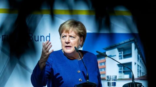 Angela Merkel soll die ZDF-Doku über ihre Entscheidung, die Grenzen für Flüchtlinge aus Ungarn offen zu lassen, nicht gefallen haben.
