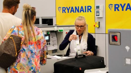 Team Wallraff: Laut einer Reporterin achtet Ryanair bei der Flugbegleiter-Schulung besonders auf eine Sache. (Symbolbild)