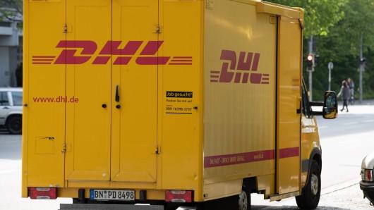DHL: Ein Paketbote hat sich im Internet blamiert. (Symbolbild)