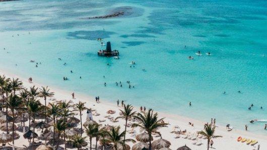 Zum Schutz der Unterwasserwelt: Die Insel Aruba verbietet ab 2020 alle Sonnenschutzmittel mit dem Wirkstoff Oxybenzon.