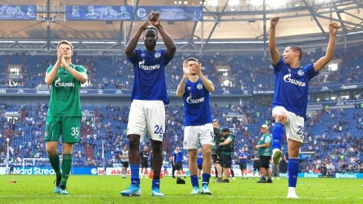 Alexander Nübel (li.) und Salif Sané sollen das Interesse von Premier League-Teams geweckt haben.