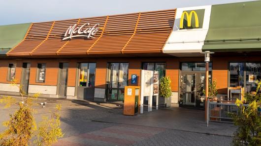 McDonald's: Mehrere Kunden konnten sich über die Geldsumme freuen. (Symbolbild)