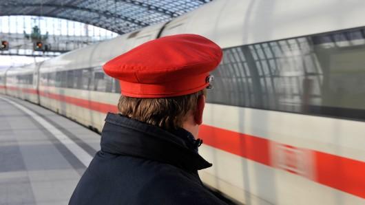 """Deutsche Bahn: Für den """"Let's Dance""""-Star war die Zugreise offenbar kein schönes Erlebnis. (Symbolbild)"""