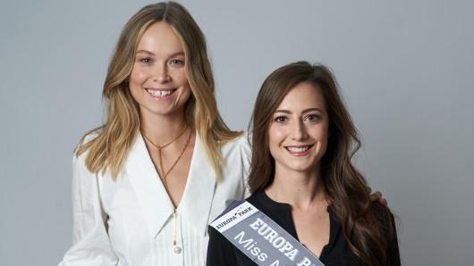 """""""Miss NRW"""" Kim Irmgratz mit der amtierenden """"Miss Germany"""" Nadine Berneis."""